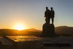 Commando Memorial (Kev Gregory (General)) Tags: the sun sets commando memorial spean bridge scottish highlands overlooking tributes lost fallen commandos recent more dated statues stand stark backdrop ben nevis aonach mr category a listed monument scotland dedicated men british forces world war ii situated village overlooks training areas depot established 942 achnacarry castle unveiled queen mother united kingdom tourist attraction kev gregory canon 7d scenic mountain