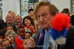 Ken telling a few jokes (James O'Hanlon) Tags: ken dodd kendodd st johns market liverpool opening officially characters singing choir tickling stick malcolmkennedy stjohnsmarket event