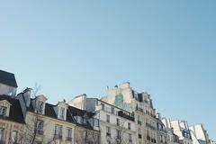 Roofs (y.fgl) Tags: fujifilm xt10 27mm f2 preset vsco paris france europe architecture
