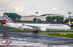 F-GSQI | Air France | Boeing 777-300ER (KwokCH) Tags: af airfrance afklm singapore changiairport changi jonone sin wsss boeing boeing777 777300er 77w 777