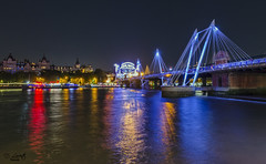 El Tmesis y sus luces / The Thames and its lights (D. Lorente) Tags: dlorente nikon nocturna ro london larga luces lights urban urbana puente