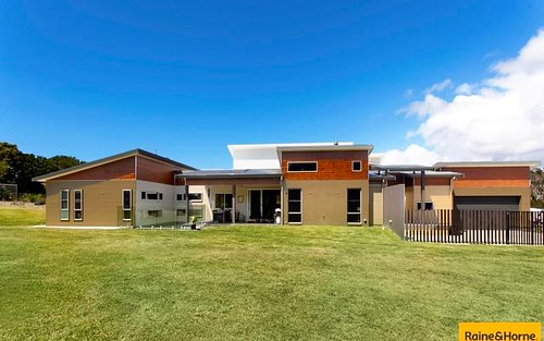 17 Beach Way, Sapphire Beach NSW 2450
