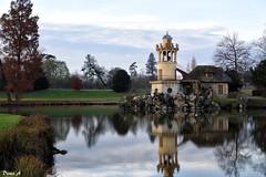 Versailles - domaine de Marie-Antoinette (baladeson) Tags: versailles parc domainedemarieantoinette tourdemarlborough automne reflets reflects