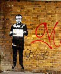 I'm Banksy (sardinista) Tags: london damien newport street gallery south bank se1 gavin turk november 2016 hirst