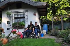Nach getaner Arbeit. (peterwoelwer) Tags: selfportrait garden garten selbstportrait selfie kleingarten schrebergarten selbstauslser pottpeople