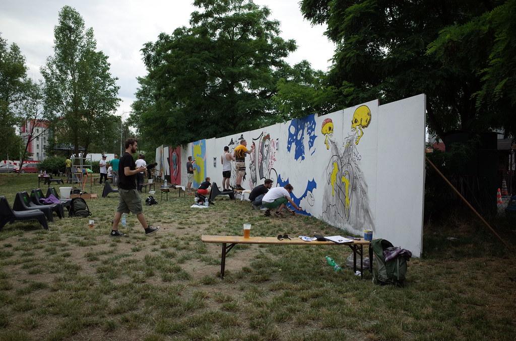 live painting at Crossclub Prague