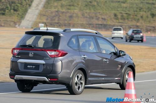 2016-Honda-BR-V-02
