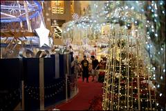 151121 Pavilion 18 (Haris Abdul Rahman) Tags: leica decorations weekend sunday malaysia kualalumpur bukitbintang leicamp summiluxm35 pavilionkualalumpur wilayahpersekutuankualalumpur harisabdulrahman harisrahmancom shoppingmalldecorations typ240 xmas2015 fotobyhariscom