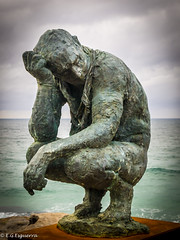 Ponder (Manny Esguerra) Tags: beach outdoors landscapes sculpturebythesea sculptures