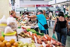 Portimao mercado | Markthalle (Thomas Remme) Tags: film portugal vegetables analog ishootfilm 135 algarve kb gemse pentaxmzs portimao filmisnotdead pentaxfa31ltd kodakportra160100 thomasremme meinfilmlab thomasremme|photographie