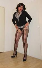 nylon and pumps (Barb78ara) Tags: nylon nylons nylonpantyhose stockings stockingtops stockingspantyhose pumps stilettoheels highheels highheelpumps stilettopumps snakeprint snakedress wraptop blacktop