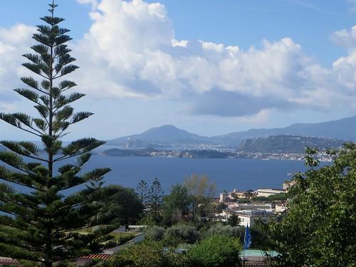 Le golfe de Pouzzoles, les îles de Procida et Ischia, Pouzzoles, Campanie, Italie.