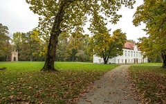 castle - Novi Dvori (09) (Vlado Fereni) Tags: castles castleschurches castlenovidvori zaprei novidvori banjelai autumn autumncolours nikond600 nikkor173528 cloudy