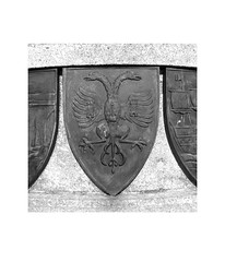 shield (chrisinplymouth) Tags: england sign metal bronze square heraldry plymouth devon hoe armadamemorial cw69x cw69sq cornwall falmouth borough eagle doubleheadedeagle arms emblem shield sword coatofarms uk city white black monochrome insquare plymgrp trait 2016 camminante
