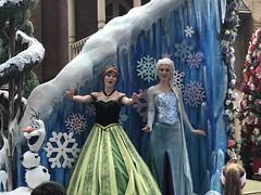 Festival of Fantasy - Elsa and Anna (theaudi0slave) Tags: disney waltdisneyworld festivaloffantasy frozen parade elsa anna