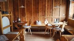 Stube (Cristina Birri) Tags: stube valpusteria dolomiti montagne mountains estate summer trentinoaltoadige pustertal tavoli sedie