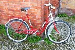 Mifa (velostat.) Tags: cvelostat13086berlinlanghansstrase6 rot damenrad ddr 559 stahl mifa
