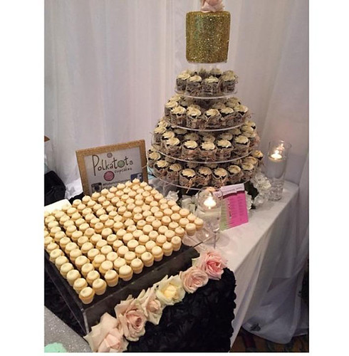 Engaged-Event-Cupcakes