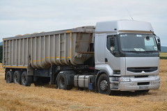 Renault Premium 420 DCI Articulated Tractor Unit with a Dennison Tipper Trailer (Shane Casey CK25) Tags: renault premium 420 dci articulated tractor unit dennison tipper trailer lorry truck grain castletownroche harvest grain2016 grain16 harvest2016 harvest16 corn2016 corn crop tillage crops cereal cereals golden straw dust chaff county cork ireland irish farm farmer farming agri agriculture contractor field ground soil earth work working horse power horsepower hp pull pulling cut cutting knife blade blades machine machinery collect collecting road nikon d7100