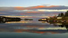 Mølstrevåg 24. okt.-16 (bjarne.stokke) Tags: morgen morning skyer soloppgang mølstrevåg sveio hordaland norway norge norwegen naust speiling høst