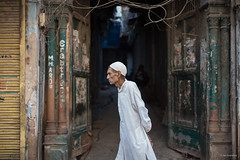 Stroll (madrones) Tags: asia city citylife delhi india man morning nationalcapitalterritoryofdelhi olddelhi people southasia streetphotography urban walking nationalcapitalterritoryofde in