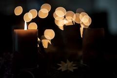 Ich wnsche einen schnen zweiten Advent (Jrgenshaus) Tags: deutschland advent kerze bokeh altglas