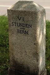 Stundenstein VI Stunden von Bern ( 6 Stunden x 4.8 Kilometer = 28.8 Kilometer ab Z.ytgloggeturm Bern ) in der Stadt Thun im Berner Oberland im Kanton Bern der Schweiz (chrchr_75) Tags: chriguhurnibluemailch christoph hurni schweiz suisse switzerland svizzera suissa swiss chrchr chrchr75 chrigu chriguhurni august 2015 albumzzz201508august albumstundensteinevonbern stundenstein stundensteine bern distanzangabe thun thoune stadtthun albumstadtthun kanton brn kantonbern berner oberland berneroberland stadt city ville kaupunki citt  stad ciudad albumregionthunhochformat thunhochformat hochformat