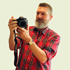 Berlin-Prenzlauer Berg, September 2015 (Thomas Lautenschlag) Tags: portrait selfportrait berlin male me canon germany beard deutschland photography goatee fotografie photographie autoportrait bart portrt autoritratto dslr autorretrato allemagne selbstportrait kamera bigbeard barbe barbu selfie autoportret selbstportrt selbstauslser tomtailor fullbeard vollbart   digitalespiegelreflexkamera systemkamera barbouze canoneos70d thomaslautenschlag