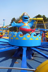 Sesame Place: Captain Cookies High Cs Adventure (wallyg) Tags: sesameplace langhorne pennsylvania buckscounty cookiemonsterland captaincookieshighcsadventure cookiemonster ride themepark amusementpark sesamestreet