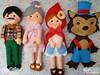 Chapeuzinho Vermelho - personagens em feltro (Gaia Artesanatos) Tags: vermelho chapéu chaveiro chapeuzinho lenhador lobomau chapeuzinhovermelhoemfeltro personagensemfeltro vovózinhoemfeltro vóvozinha