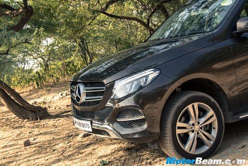 2015-Mercedes-GLE-10