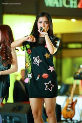 IMG_7163-2 (Andreas Kurniawan) Tags: music girl female canon indonesia song live group performance young jakarta talent idol singer lippo kemang 6d lagu penyanyi cherrybelle