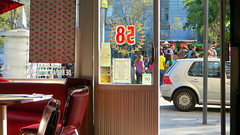 58 (Robert Saucier) Tags: mexico mexicocity caf restaurant rue street auto fentre window vitre glass cristal chaises chairs img9130 cafeteriatrevi