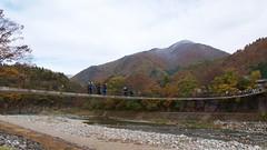 Deai-bashi suspension bridge over the Shokawa River (Frank Fujimoto) Tags: ogimachi japan bridge water