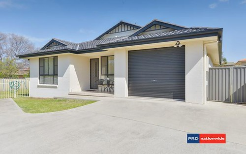 2/10 Glen Alpha Close, Tamworth NSW 2340