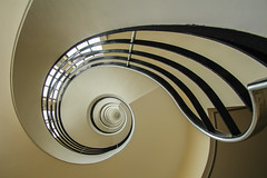 Wave II (Elbmaedchen) Tags: staircase