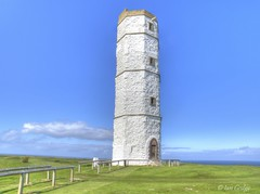 Chalk Tower (Ian Gedge) Tags: england english imagesofengland uk britain yorkshire flamborough head tower chalk lighthouse coast sea