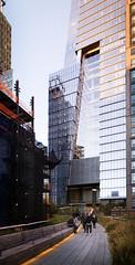 (themodulorman) Tags: magichour dusk sunset hudsonyards 10hudsonyards 10hy towerc newyorkcity newyork kpf architecture skyscraper skyscraping atrium glass curtainwall highline enclos interpane