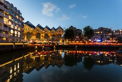 Rotterdam by night (lecointelaetitia) Tags: nuit night nikon longexposure expositionlongue lumières ligh travel voyage bluehour couchédusoleil sunset rotterdam paysbas europe wideangle grandangle