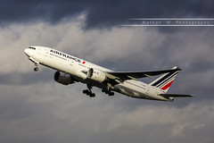 CDG - Boeing 777-228ER (F-GSPB) Air France (Aro'Passion) Tags: cdg lfpg paris photography photos parisroissycharlesdegaulle 60d aropassion airport aircraft airlines aroport dcollage departing takeoff monteinitiale trainrentr variopositif sky fgspb airfrance boeing 777228er b777 b777228er triple7 natw canon