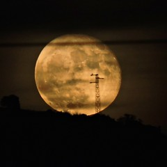 In Prospettiva (Luquit) Tags: moon fullmoon night prospettiva nikon fotografia