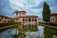 Reflejos en el Palacio del Partal en la Alhambra de Granada. (Rafa Velazquez) Tags: alhambra granada reflejo reflectioin