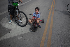 Broadway and 6th ave (the young pretender) Tags: street colors kids canon san texas festivals streetphotography bikes bicycles roads antonio pointing asphault 6d siclovia