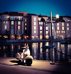 Night Vespa (jpaulroe) Tags: night orlando streetlight vespa resort