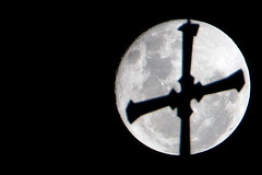 Over Newman College (IkeeDee) Tags: supermoon moon melbourne australia newmancollege astro astrophotography