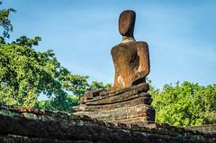 Khampaengphet Historical Park (Goran Bangkok) Tags: park blue sky history thailand temple religion buddhism historical wat phrakaew khampaengpet
