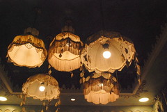 Shakespeare & Co - 3rd Circle, Amman (jrozwado) Tags: lamp restaurant asia amman shakespeare jordan الأردنّ عمّان