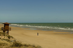 Sola......y.....sur..... (pp diaz) Tags: espaa costa color luz mar andaluca agua playa paisaje arena cielo cadiz sur cdiz aire rota costaballena playadelinfante