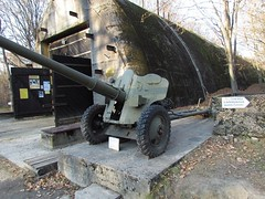 "85 mm divisional gun D-44 5 • <a style=""font-size:0.8em;"" href=""http://www.flickr.com/photos/81723459@N04/23644238526/"" target=""_blank"">View on Flickr</a>"