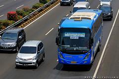 DAMRI Ultima (BagusRailfans photo) Tags: bus mercedes benz mas body agra jakarta bis hino aptb transjakarta damri bismania primajasa arimbi